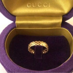 New Authentic Gucci 18k Gold Ring Size 6.5 Band